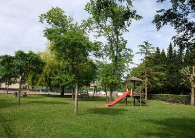 Vue aire de jeux Saint-Papoul
