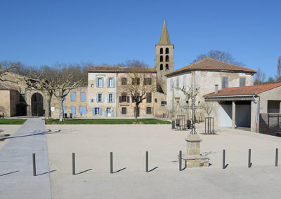 Place du village Saint-Papoul